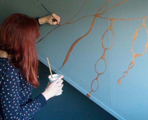 Cora-Verhagen-mural-gold